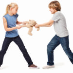 children_fighting_568x240